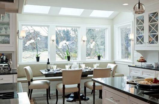 white-breakfast-nook-decor