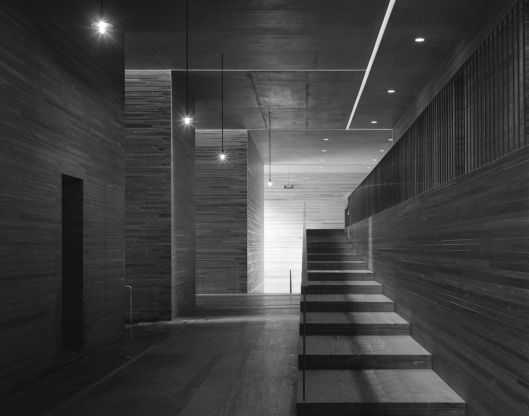 Peter Zumthor - interior volumes and planes that frame light